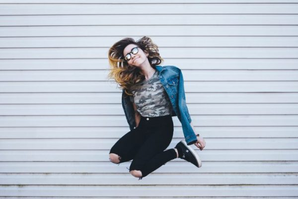 invisible, Girl jumping, dancing